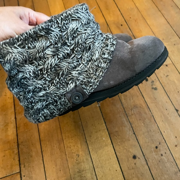 Muk Luks gray, suede ankle boots